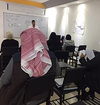 محاضرة تدريبية لطلاب الجامعة العربية